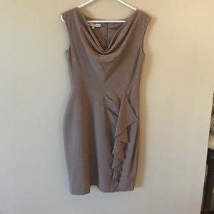 Super cute dress perfect for the office.