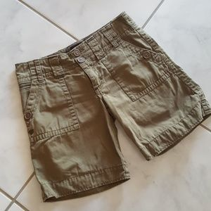 Sanctuary Army Green Khaki Distrssed Shorts 25