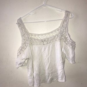 Sold 🚫white lace top crop