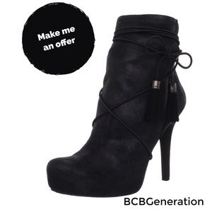 ✨BCBGeneration Fabbie Black Sueded Shimmer Boots