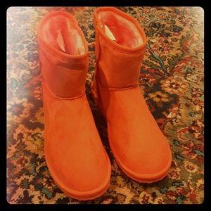 Salmon/coral faux fur ankle boots