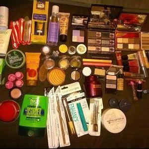 Huge XL Makeup Bundle 50+