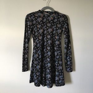 Lush long sleeve dress.