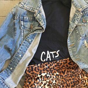 "VINTAGE ""Cats"" t shirt, sz L"