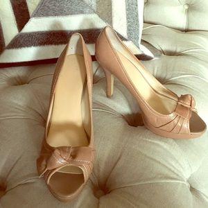 Franco Sarto peep toe heels