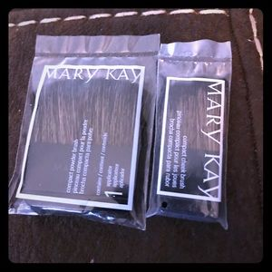 Mary Kay compact brushes