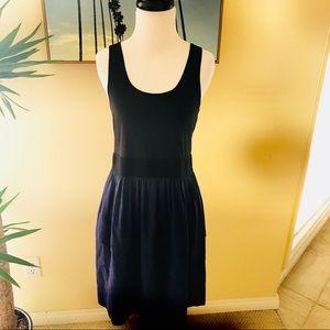 < Theory> Verla Black & Blue Sleeveless Tier Dress