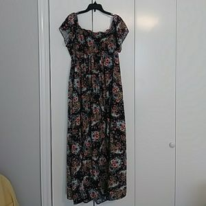 Jessica Simson Maternity dress