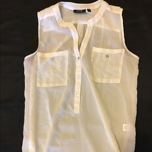 Off white sleeveless tank with pockets
