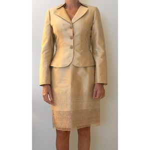 Kay Unger silk shantung champagne two-piece suit
