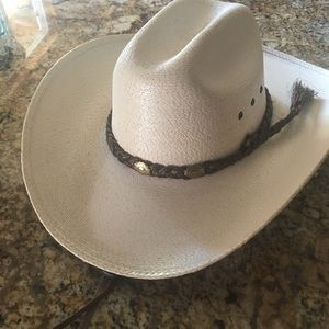 Other - Beautiful cowboy hat white palm hat