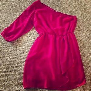 One sleeved dress 👗
