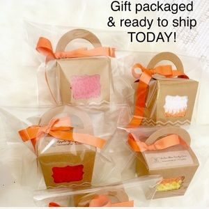 Baby newborn boy Girl Apple knit hat NEW Gift Box!