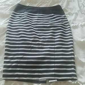 Stripe pencil skirt