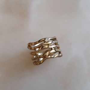 Ring with rhinestones
