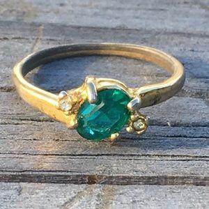 Gold emerald ring💍VINTAGE