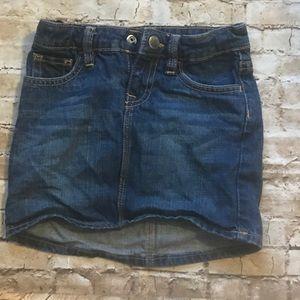 Girls gap Jean skirt size 5 toddler