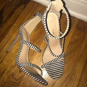 Liliana black and white heels - size 8