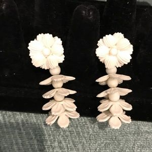 VINTAGE CLIP FLORAL EARRINGS