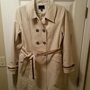 Cynthia Rowley Trench Coat. w/belt. Sz. L