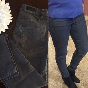 •Dark Gray Skinny Jeans•