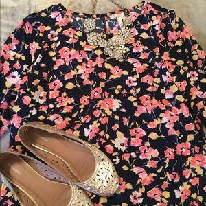 LC Lauren Conrad floral print blouse size large