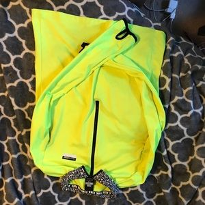 VS dri fit pullover