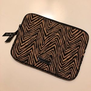 Vera Bradley IPad Mini Zip-Up Case