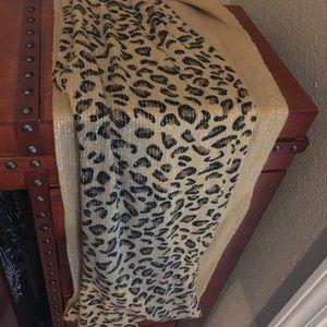 Accessories - 🌺 cheetah print scarf wrap