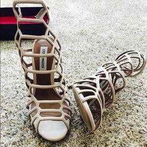 stunning nude heels!