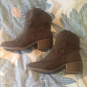 Merona western style booties