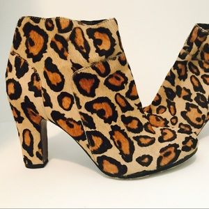 Sam Edelman Leopard Booties / Size 7