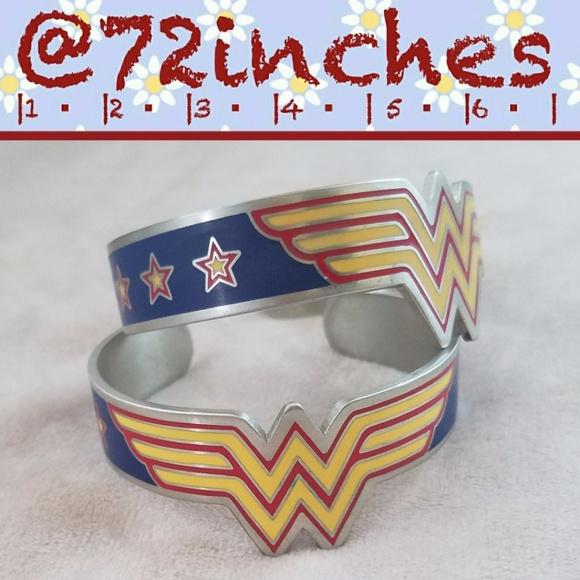 DC Comics Wonder Woman Cuffs