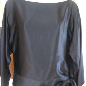 WHITE HOUSE/BLACK MARKET 100%silk slitted shoulder
