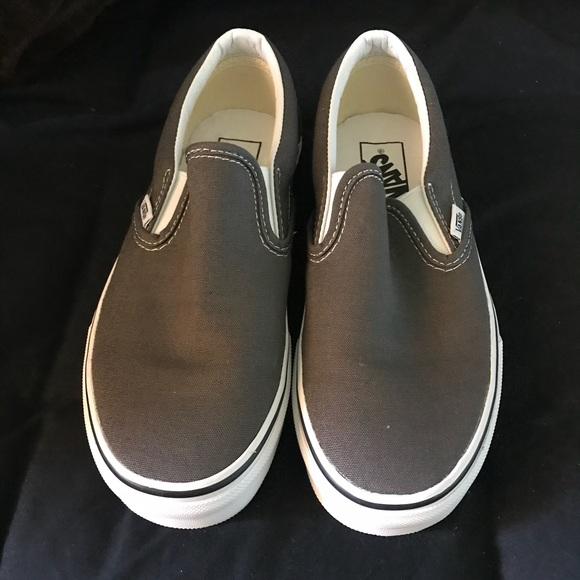 6c6080080518fc Charcoal slip on Vans. M 59e5373c2599fe8fc300f190