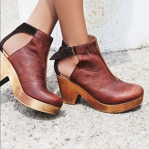 Free People size 6 Amber orchard clog