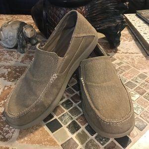 Crocs‼️ size m9.