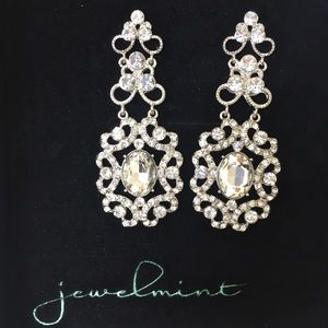 Jewelmint Versailles Earrings