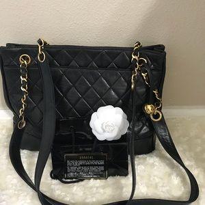 vintage  Chanel Black Lambskin Leather Matelasse