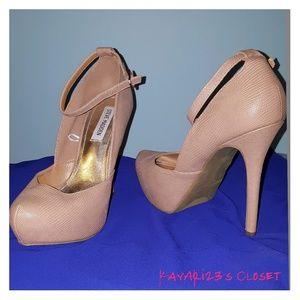 Steve Madden high heel pumps