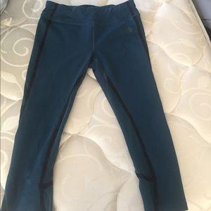 Northface crop leggings