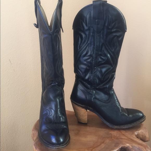 04e2d463341 capezio Black high heel women's cowboy boots! ❤️
