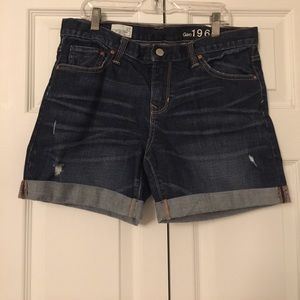 Gap Sexy Boyfriend Shorts size 27