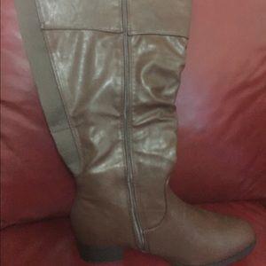 Lane Bryant brown boots size 9W