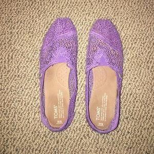 Purple crochet women's classic TOMS