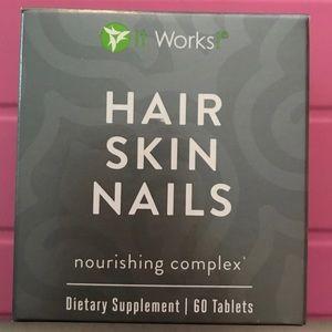 It Works Hair Skin & Nails vitamins