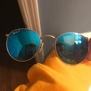 Blue polarized round metal sunglasses