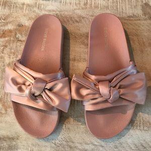 b3e10f57d9e Steve Madden Shoes - 🎀Steve Madden Silky Slides  Blush Pink Satin  7