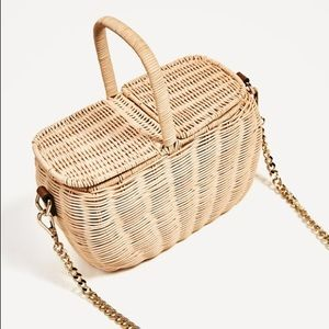 WICKER PICNIC BASKET BAG
