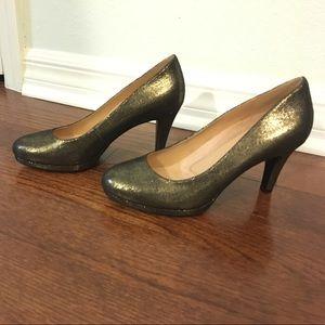 Size 6 Naturalizer Heels